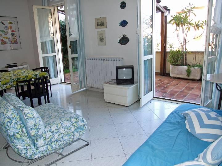 Appartamento in affitto a Lerici, 5 locali, prezzo € 1.000 | PortaleAgenzieImmobiliari.it