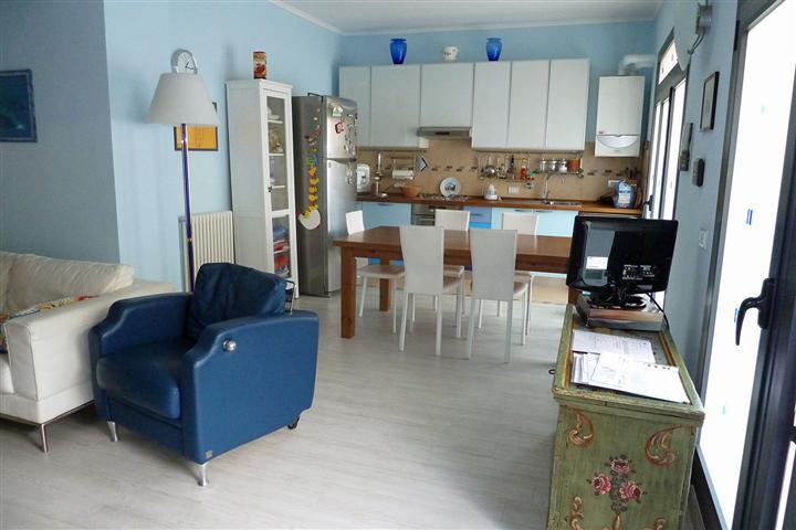 Appartamento in affitto a Lerici, 4 locali, prezzo € 900 | PortaleAgenzieImmobiliari.it
