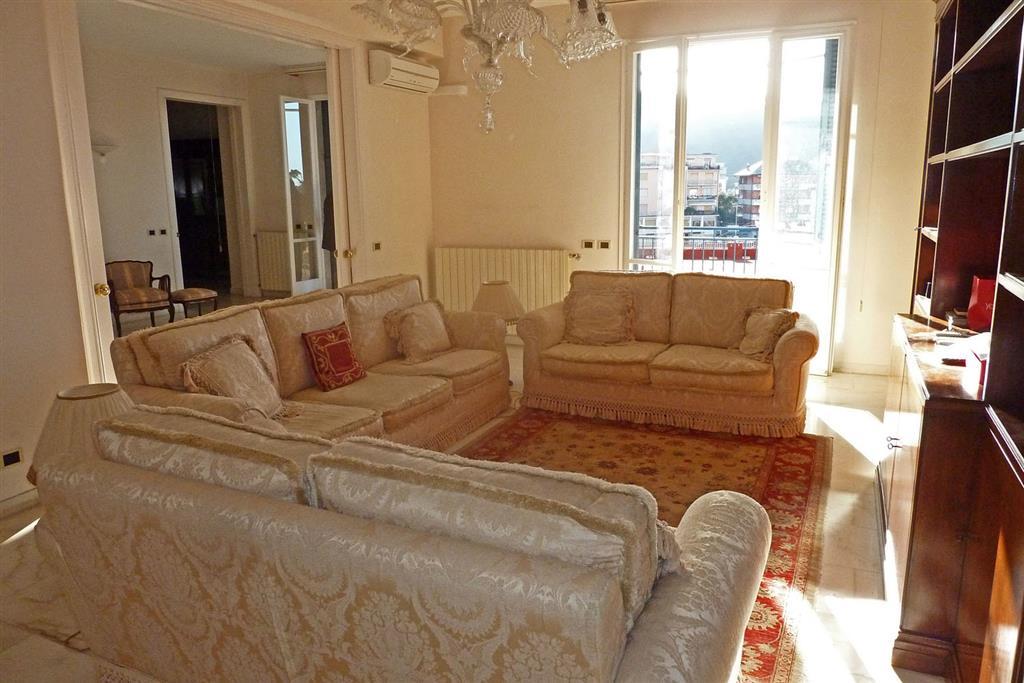 AppartamentiLa Spezia - Appartamento, Lerici, in ottime condizioni