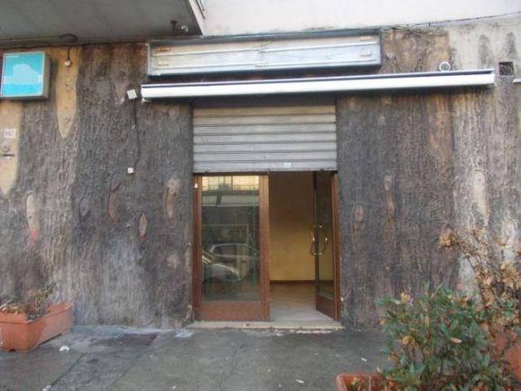 Negozio / Locale in affitto a Pagani, 1 locali, zona Località: PERIFERIA NORD, prezzo € 450 | CambioCasa.it