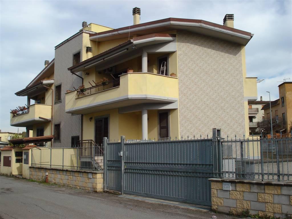 Appartamento in vendita a Roma, 4 locali, zona Zona: 28 . Torrevecchia - Pineta Sacchetti - Ottavia, prezzo € 275.000   CambioCasa.it