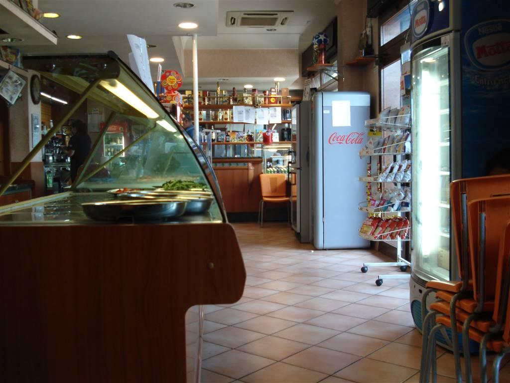 Attività / Licenza in vendita a Roma, 9999 locali, zona Zona: 12 . Cinecittà,Don Bosco, Lucrezia Romana, prezzo € 300.000 | CambioCasa.it