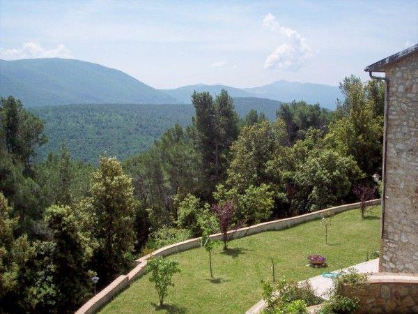 Rustico casale, Fontanelle, Campello Sul Clitunno, in ottime condizioni