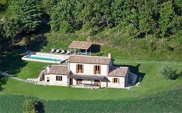Rustico casale, Collelungo, Baschi, in ottime condizioni