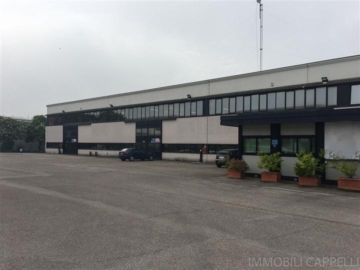 Capannone in vendita a Bertinoro, 9999 locali, zona Zona: Panighina, prezzo € 2.200.000   CambioCasa.it