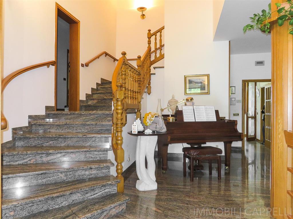 Villa, Ronco, Forli', in ottime condizioni