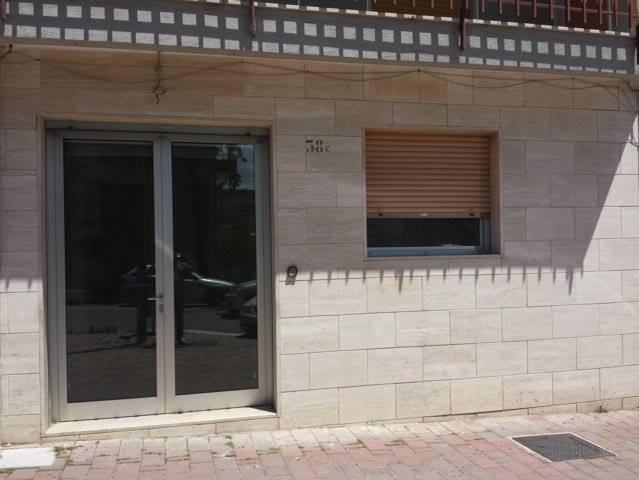Ufficio / Studio in vendita a Matera, 9999 locali, zona Zona: Centro direzionale, prezzo € 119.000   CambioCasa.it
