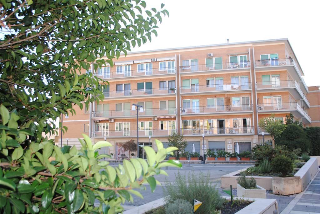 Quadrilocale in Piazza Cesare Firrao, Centro Direzionale, Matera