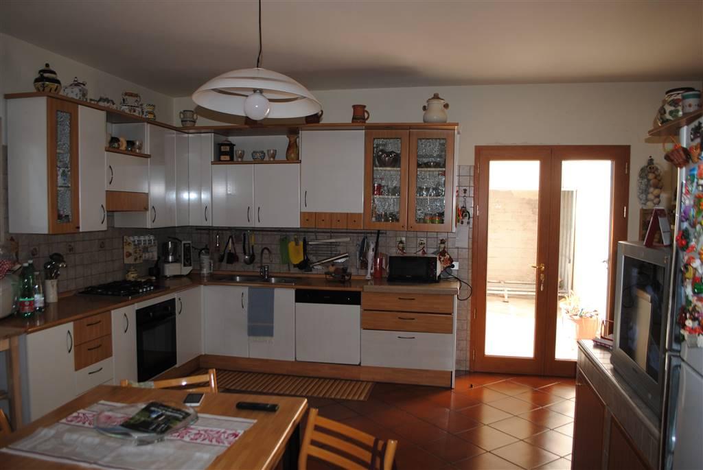 Villa a schiera in Via Turi, Periferia Sud, Matera
