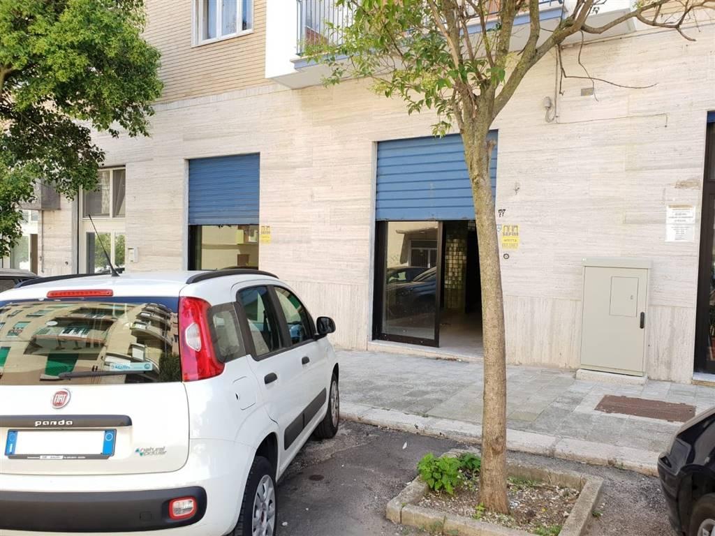 Negozio / Locale in affitto a Matera, 1 locali, zona Zona: Centro direzionale, prezzo € 700 | CambioCasa.it