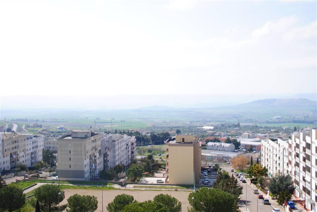 Quadrilocale in Via Sinni, Periferia Nord, Matera