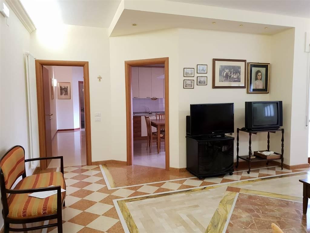 Quadrilocale in Via Lanfranchi, Semicentro Sud, Matera