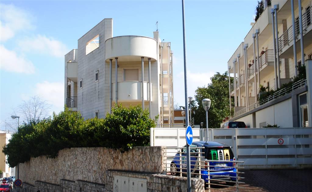 Trilocale in Via Pecci, Centro Direzionale, Matera