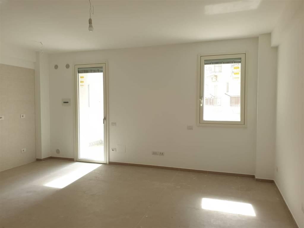 Ufficio / Studio in affitto a Matera, 3 locali, zona Zona: Semicentro Nord, prezzo € 650 | CambioCasa.it