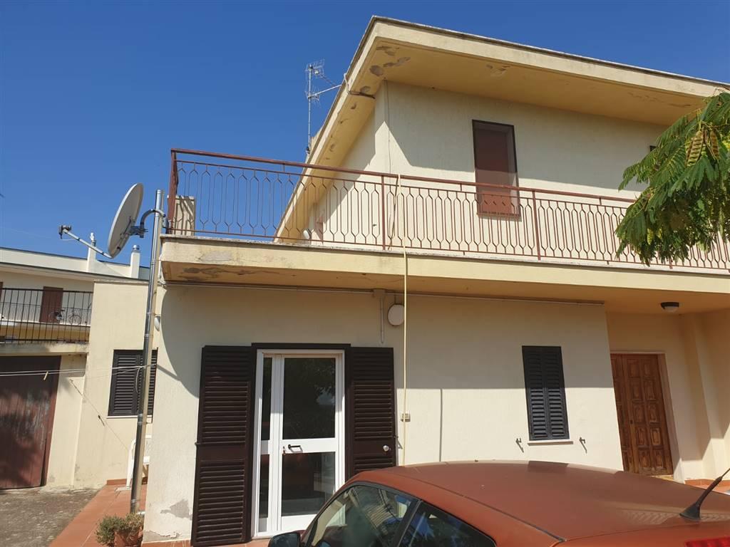 Bilocale in Via Dei Lucani, Periferia Nord, Matera