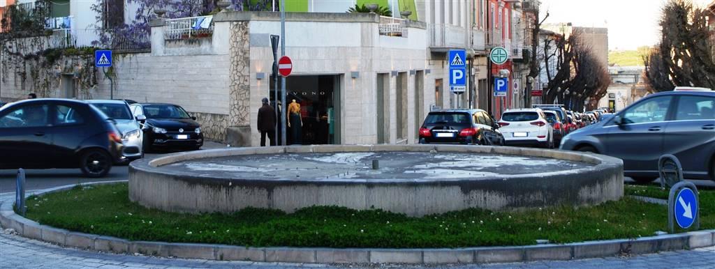Negozio in Via Gattini, Centro Storico, Matera
