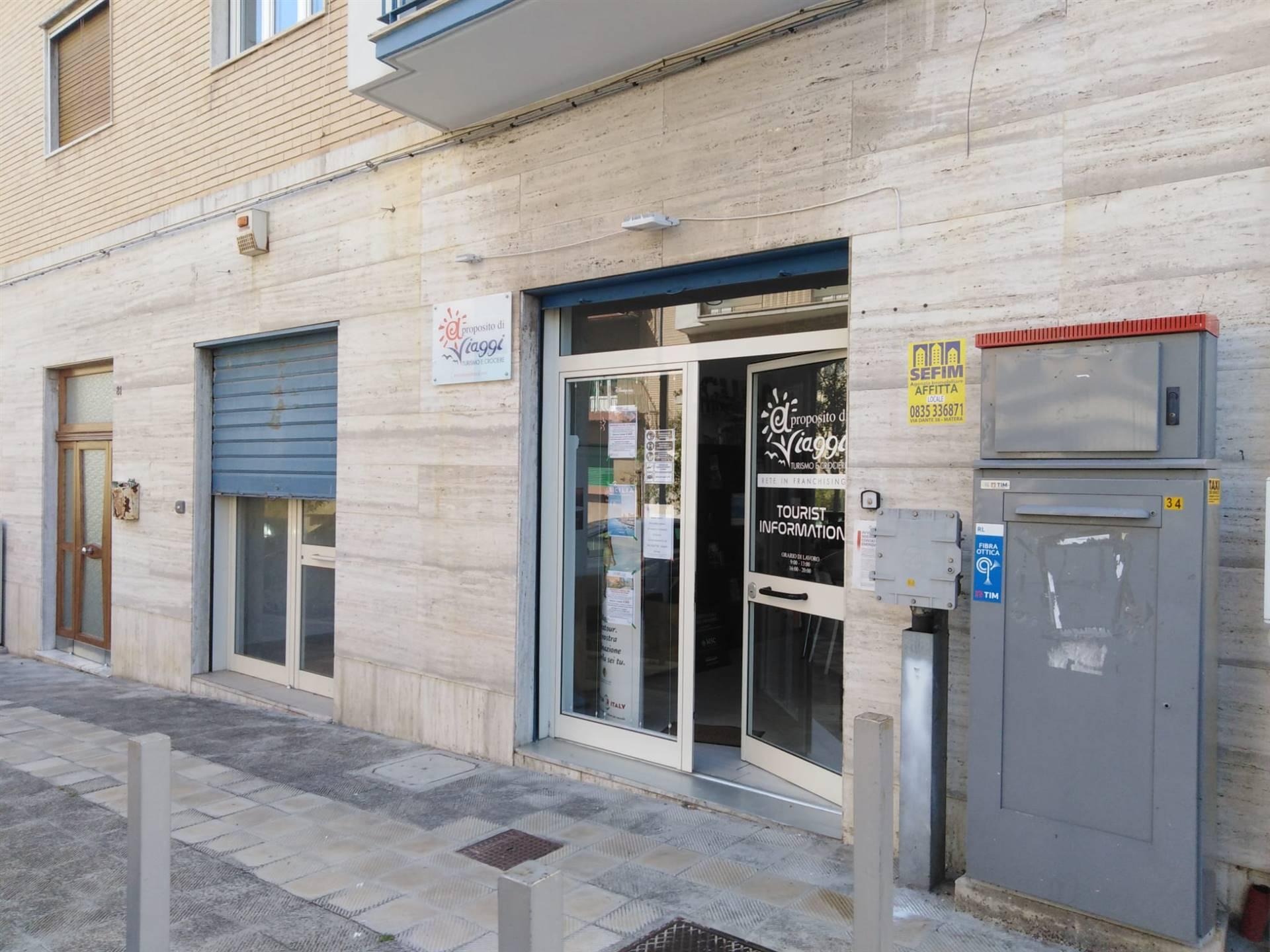 Negozio / Locale in affitto a Matera, 2 locali, zona Zona: Semicentro Sud, prezzo € 400 | CambioCasa.it