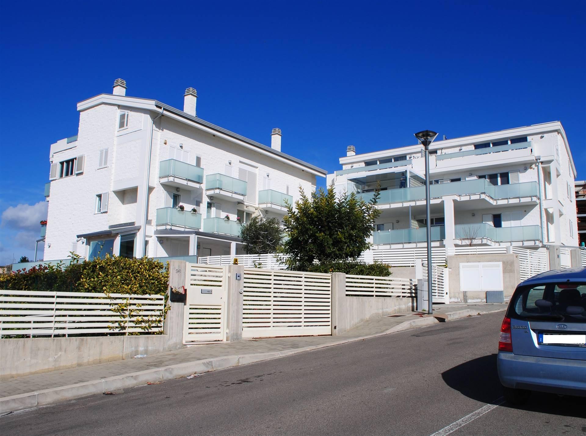 Appartamento in vendita a Matera, 4 locali, zona Zona: Periferia Nord, prezzo € 320.000 | CambioCasa.it