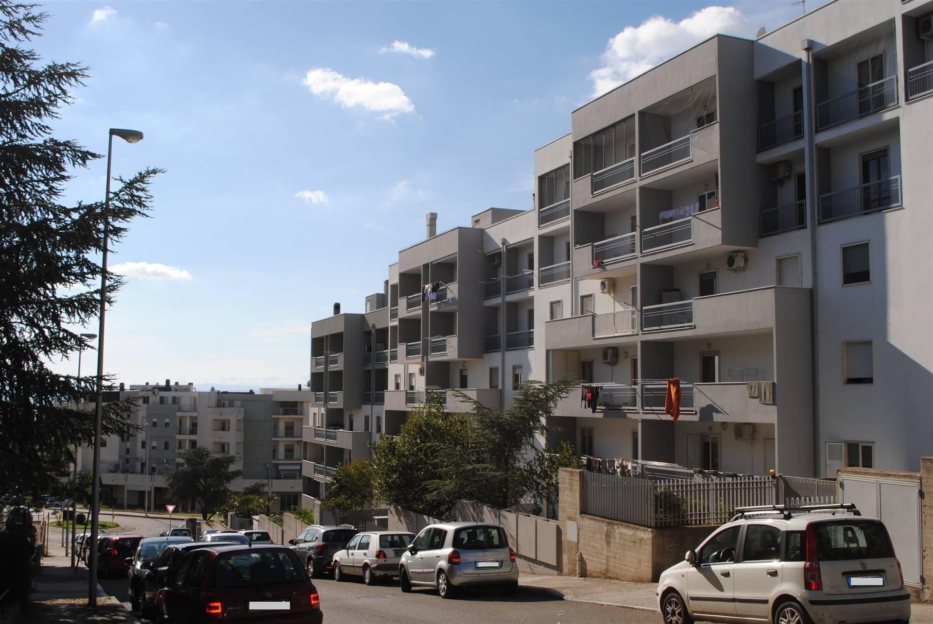 Appartamento in vendita a Matera, 4 locali, zona Zona: Periferia Nord, prezzo € 220.000 | CambioCasa.it