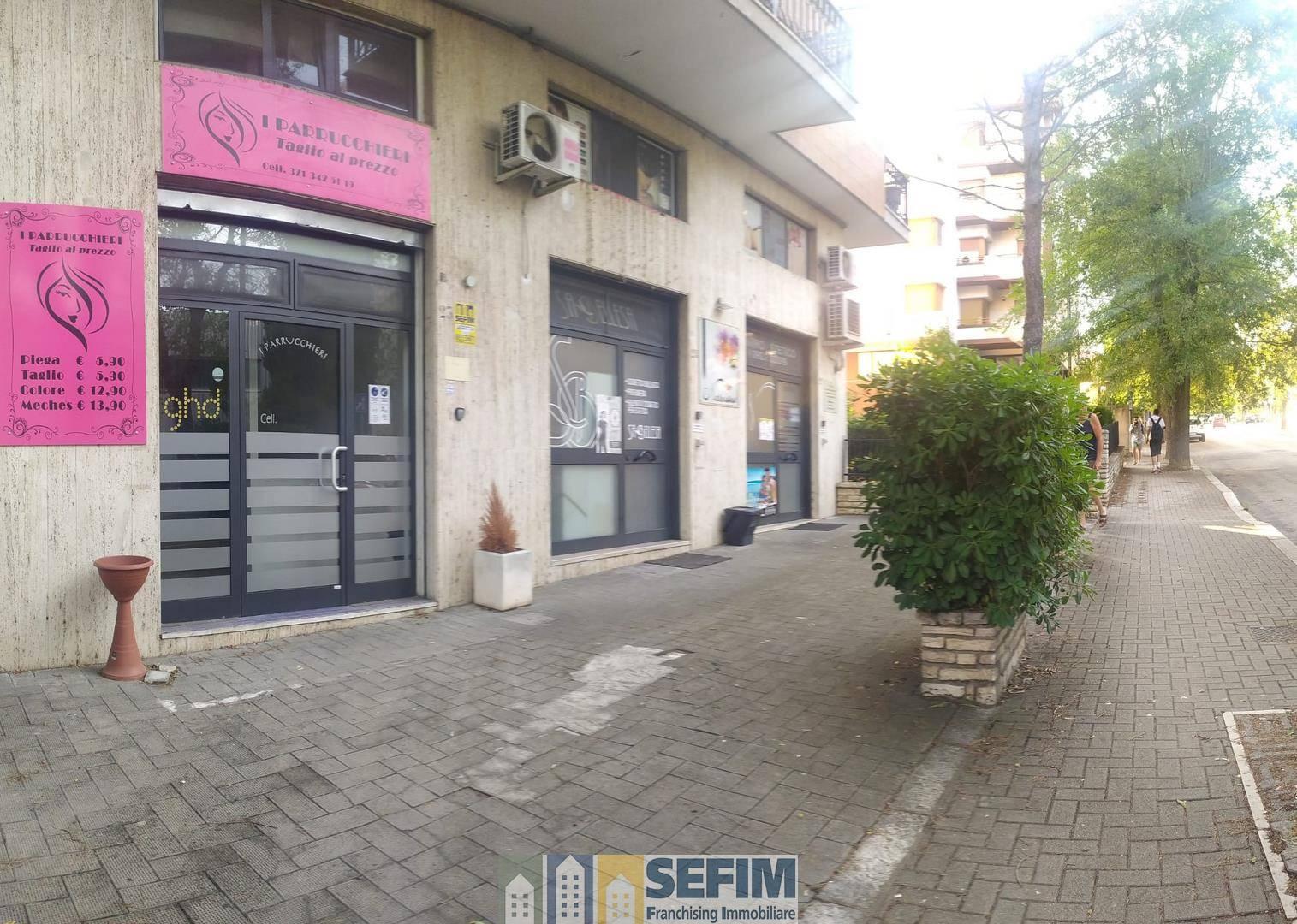 Attività / Licenza in affitto a Matera, 2 locali, zona Zona: Centro direzionale, prezzo € 600 | CambioCasa.it