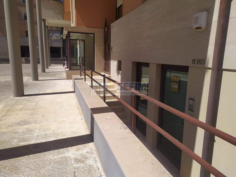 Ufficio / Studio in affitto a Matera, 3 locali, zona Zona: Centro direzionale, prezzo € 590 | CambioCasa.it