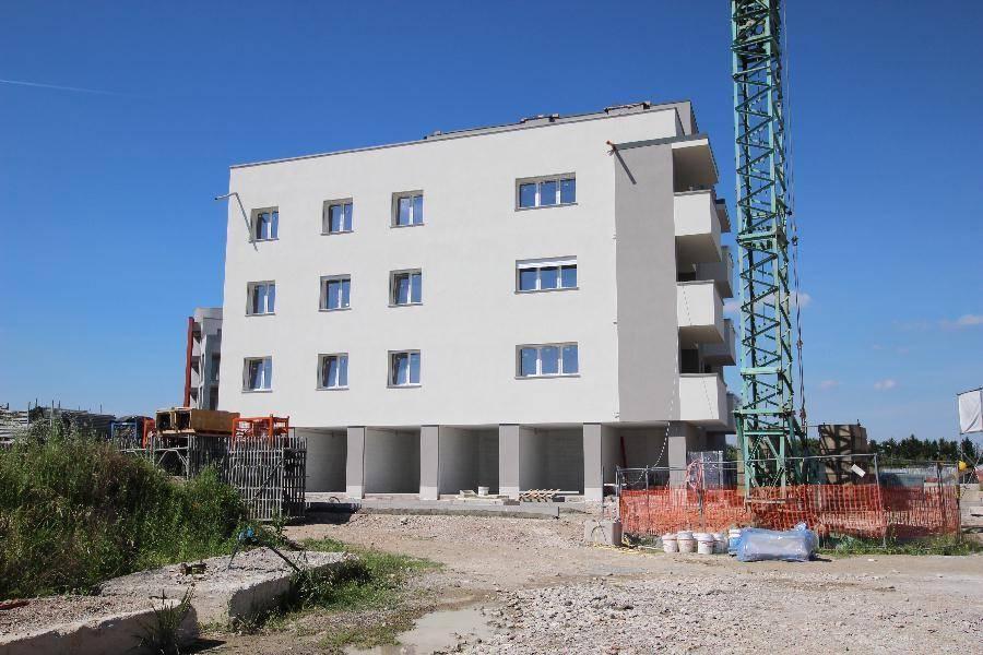 Quadrilocale in Via Fenoglio 12, San Giovanni In Persiceto