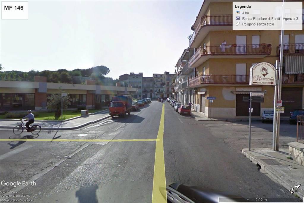 Negozio / Locale in affitto a Fondi, 9999 locali, zona Località: CIRCUNVALLAZIONE, prezzo € 500   CambioCasa.it
