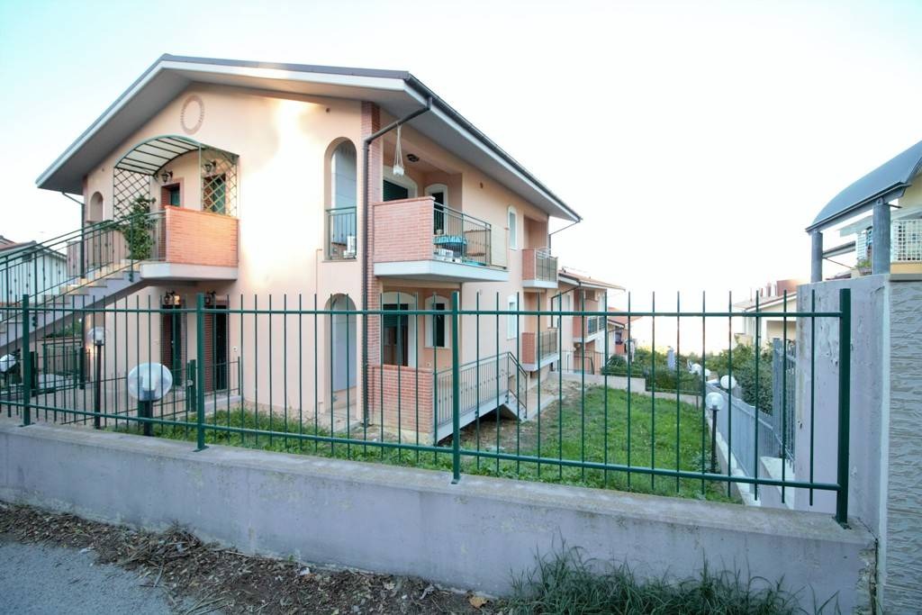 SILVI, Independent Apartment for sale of 60 Sq. mt., New construction, Heating Individual heating system, Energetic class: A, Epi: 20,516 kwh/m2 year, placed at Ground on 1, composed by: 6 Rooms,