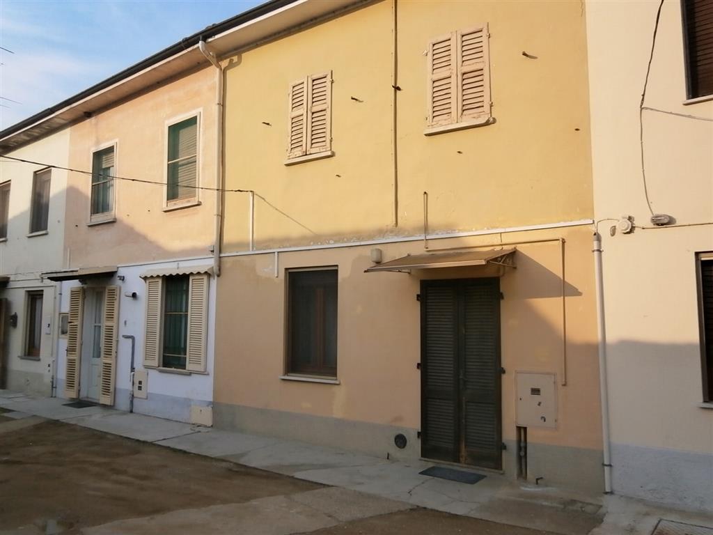 Casa semi indipendente, Mortara, da ristrutturare
