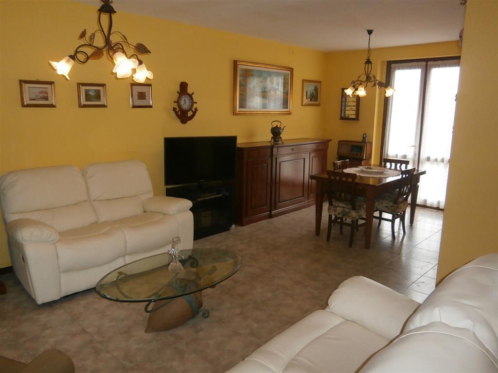 Villa a schiera, Mortara, in ottime condizioni
