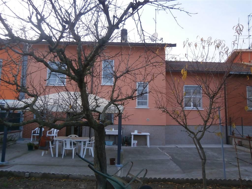 Villa a schiera a OTTOBIANO 108 Mq | 4 Vani | Giardino 150 Mq