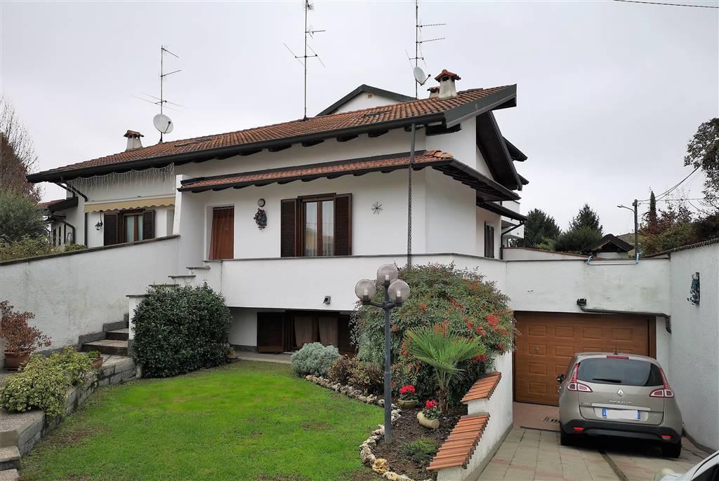 Villa a schiera, Vigevano, in ottime condizioni