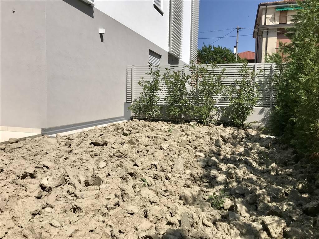 giardino appartamento - Rif. 33CARB06