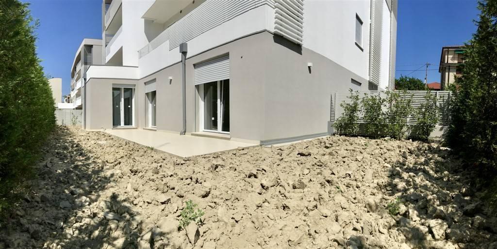giardino esclusivo appartamento - Rif. 33CARB06