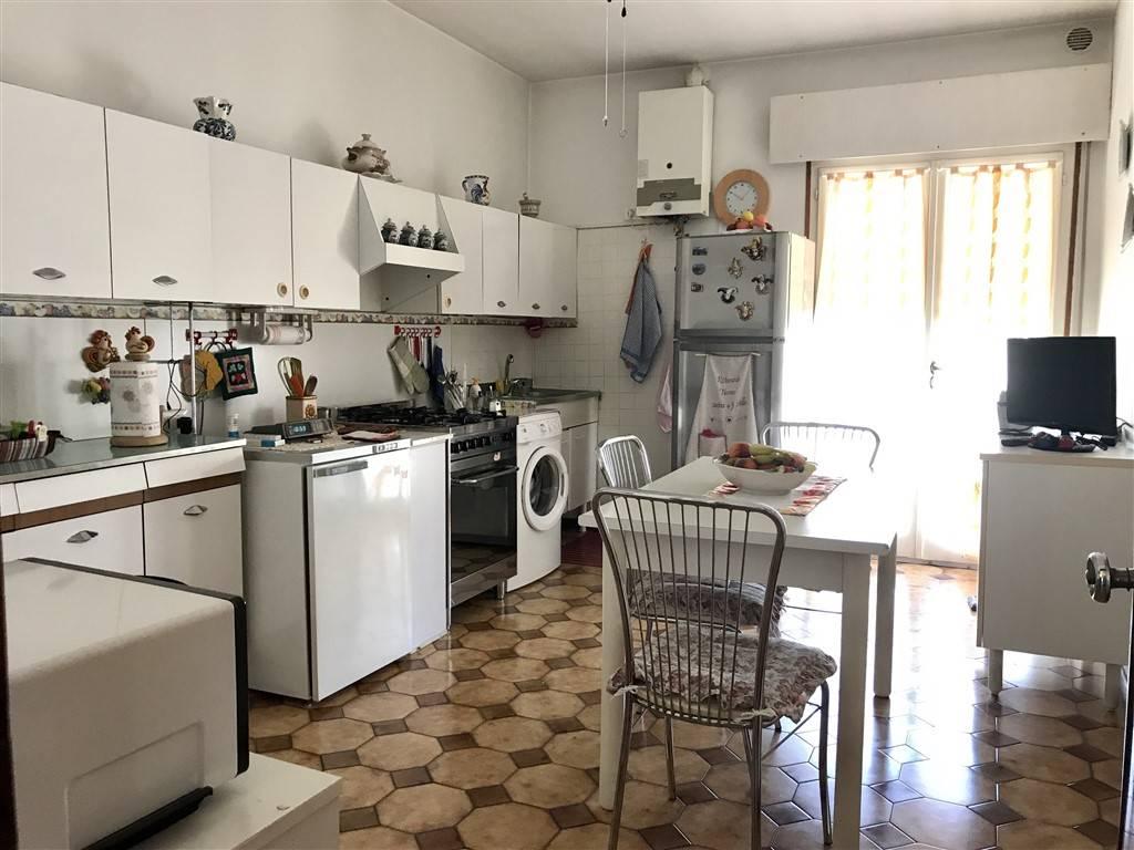 cucina appartamento Mestre Carpenedo