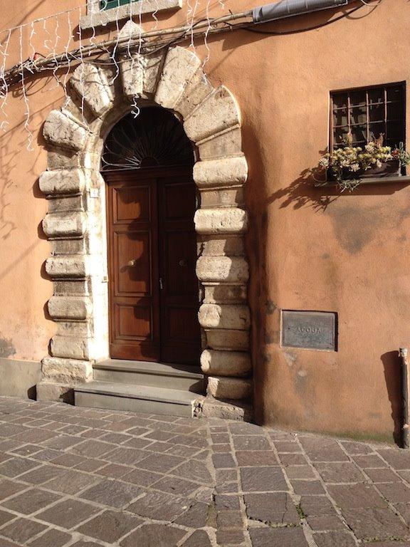 Appartamento indipendente in Via Della Repubblica, Montopoli Di Sabina