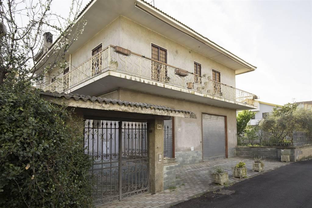 Casa singola in Via Castelleone Di Suasa 56, Lunghezza, Roma