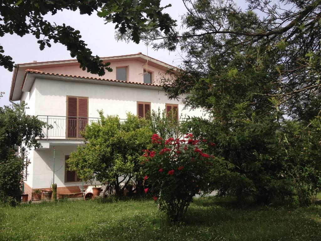 Villa, Forano, abitabile