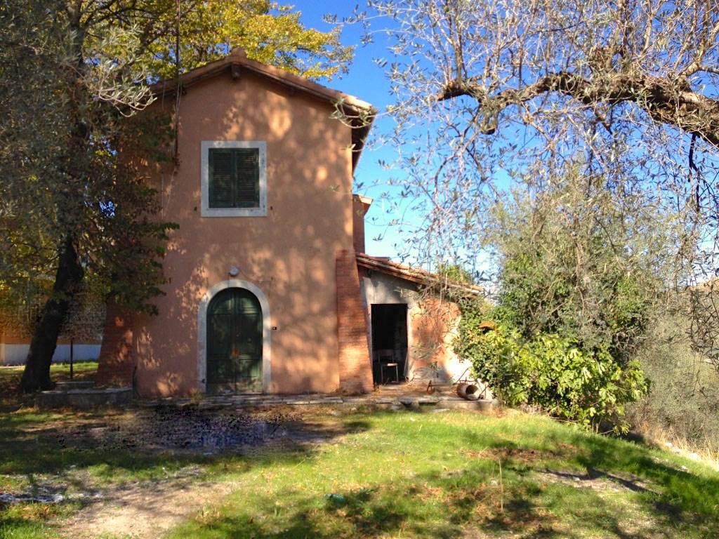 Rustico casale in Località La Pacina Snc, Scandriglia