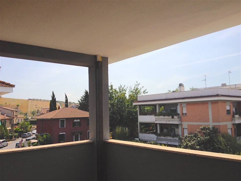 Appartamento in Via Salaria  254, Monterotondo