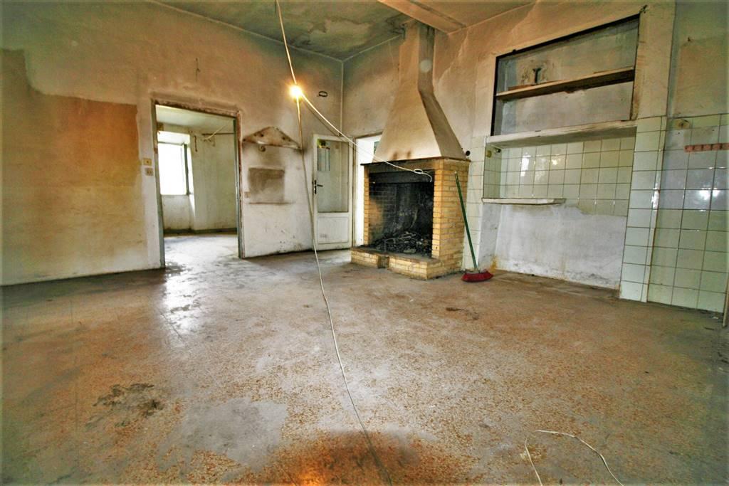 Appartamento in Via Erta Al Piano 34, Torri In Sabina