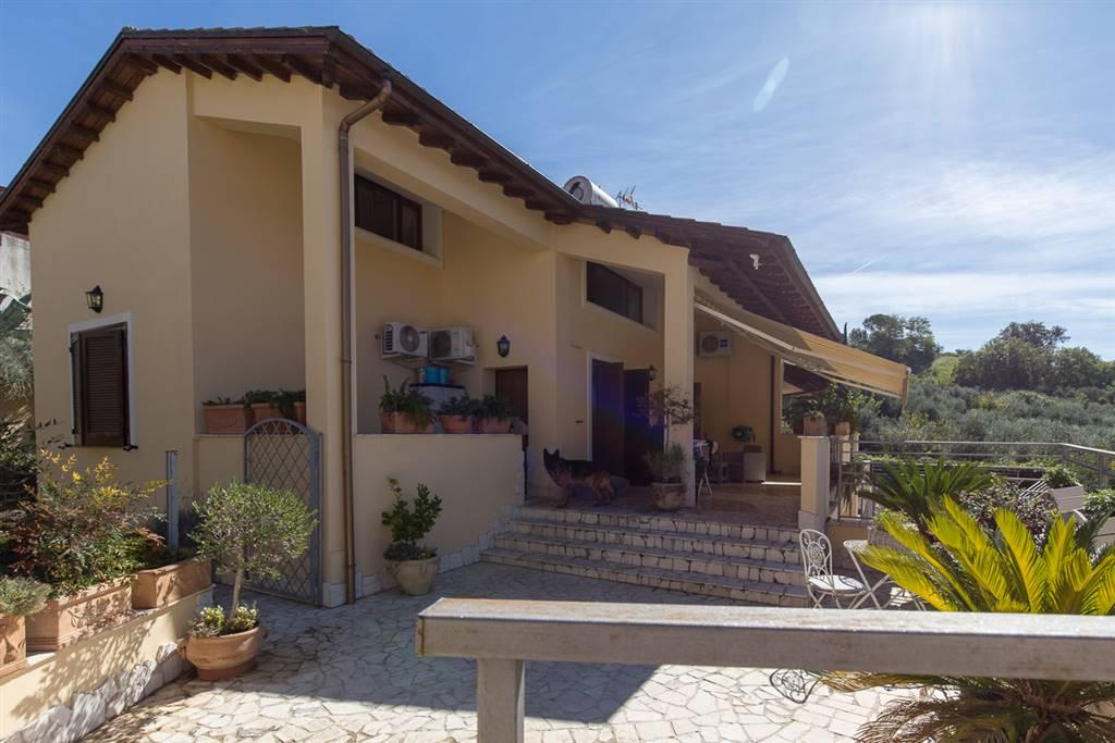 Casa semi indipendente in Via Ottorino Caproni, Poggio Mirteto