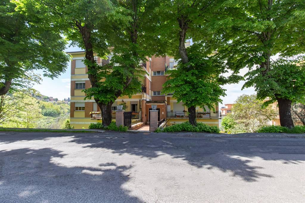 Appartamento in Via 12 Ottobre  63, Montopoli Di Sabina