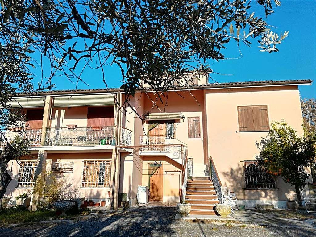 Villa in Strada Provinciale 42 Snc, Castelnuovo Di Farfa