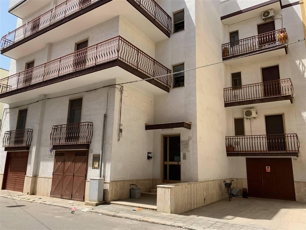 Appartamento in vendita a Palagiano, 3 locali, prezzo € 115.000   CambioCasa.it