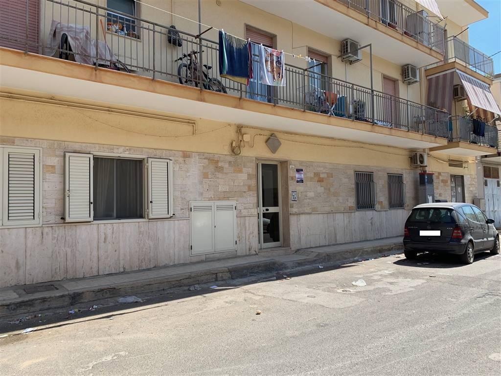 Appartamento in vendita a Palagiano, 4 locali, prezzo € 85.000   CambioCasa.it