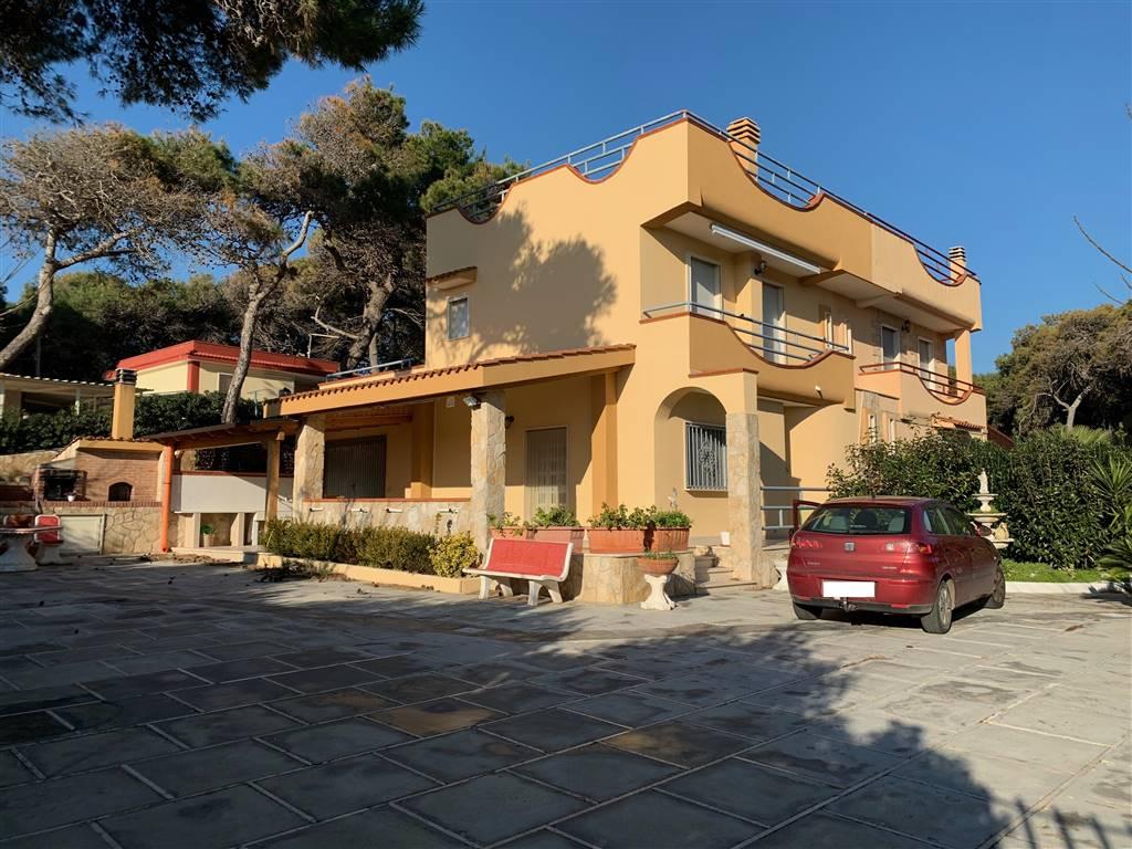 Villa in vendita a Palagiano, 5 locali, zona Località: CHIATONA, prezzo € 180.000   CambioCasa.it