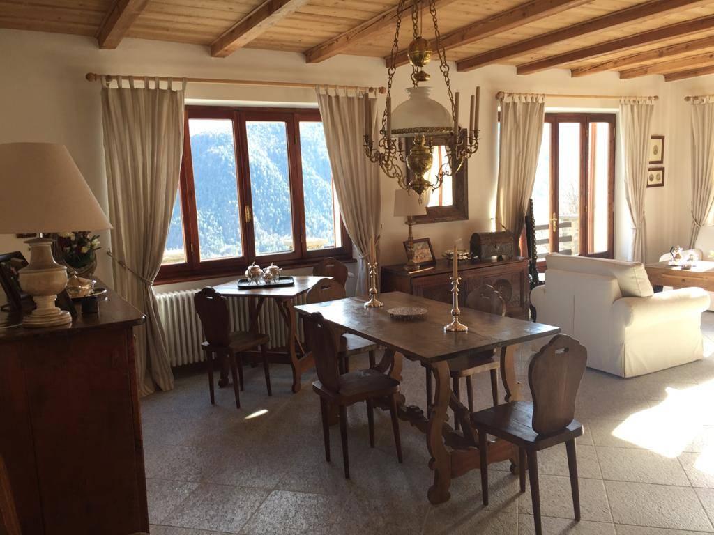 Appartamento in affitto a Craveggia, 18 locali, prezzo € 1.500 | CambioCasa.it