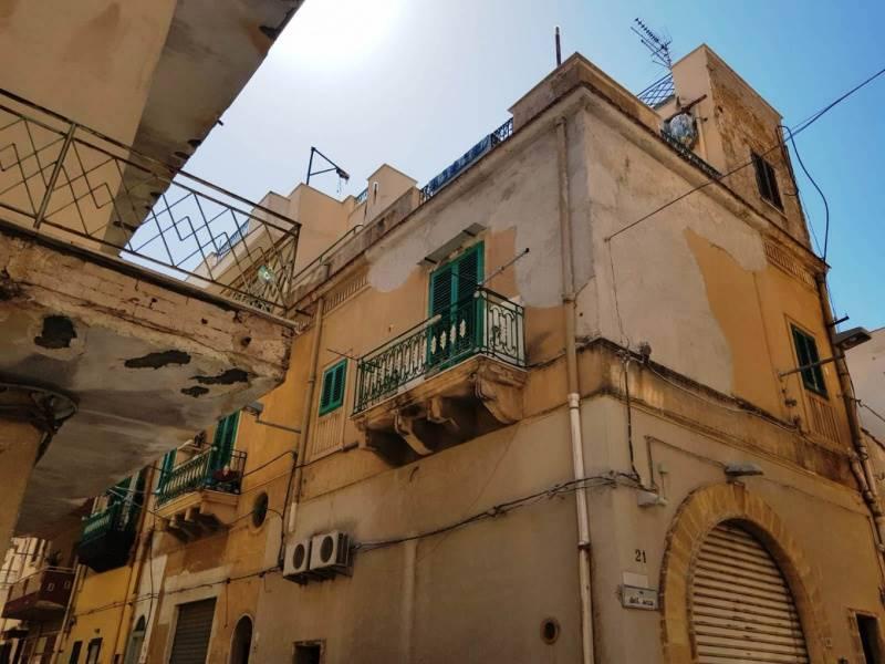 Appartamento in vendita a Bagheria, 4 locali, prezzo € 55.000 | PortaleAgenzieImmobiliari.it