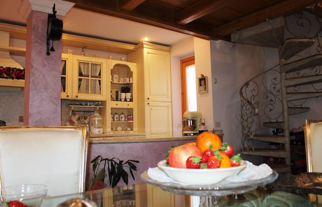 Appartamento in vendita a Soriano nel Cimino, 3 locali, zona Località: BASTIA, prezzo € 88.000   PortaleAgenzieImmobiliari.it